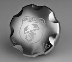 Aluminium oil cap for Abarth 500