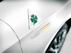 Cloverleaf wing badges for Alfa Romeo Giulietta